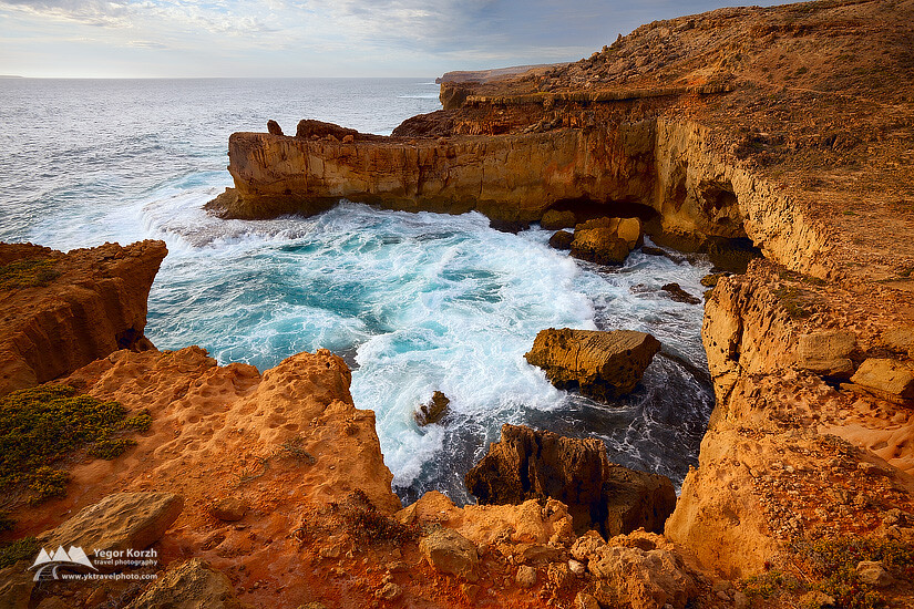 Dangerous cliffs of Cape Bauer, Gibson Peninsula, SA, Australia