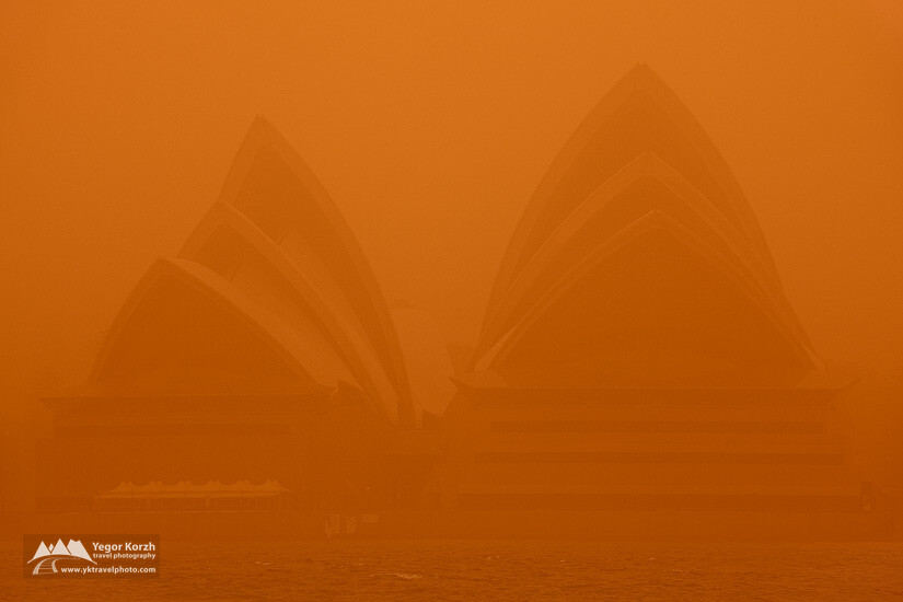 Sydney Opera House under the Dust Blanket, Sydney, NSW, Australia